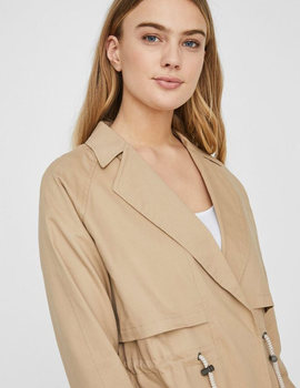Chaqueta Noisy May Nmpenna beige para mujer.