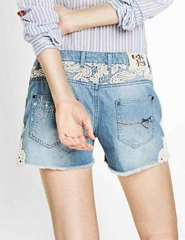 Short Desigual DENIM LIGHT WASH azul de mujer.